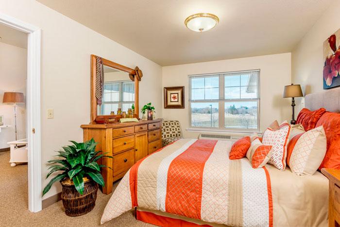 msbe-suite-bedroom-1