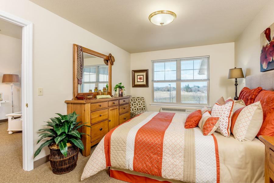 19-msbe-suite-bedroom-1